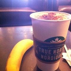 Photo taken at Starbucks by Amani A. on 8/13/2013