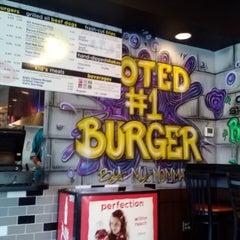 Photo taken at Graffiti Burger by Jenny C. on 9/15/2013