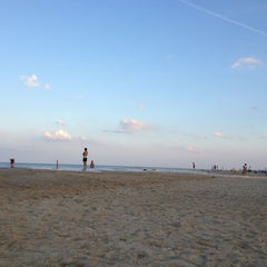 Photo taken at 145th St Beach by Jariya W. on 7/23/2013