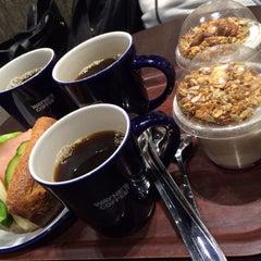 Photo taken at Wayne´s Coffee by Heini H. on 4/18/2015