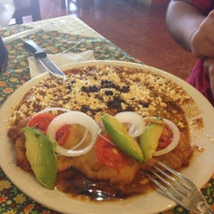 Photo taken at El zacahuil huasteco by Memo O. on 5/19/2013