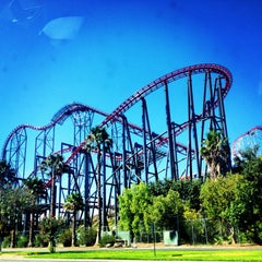 Photo taken at Six Flags Magic Mountain by Daniela G. on 7/25/2013