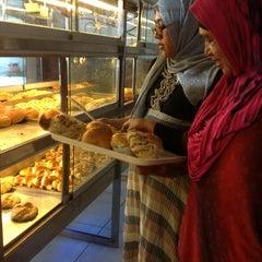 Photo taken at Brasserie Bakery & Resto by Yeni O. on 6/4/2013