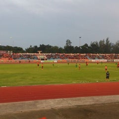 Photo taken at สนามกีฬากลางจังหวัดประจวบคีรีขันธ์ by Pond P. on 10/20/2013