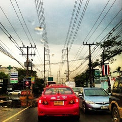 Photo taken at ตลาดนานาเจริญ by Dumrongdej Y. on 9/12/2012