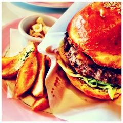 Photo taken at BIG BEN Diner by Masaki O. on 10/1/2014