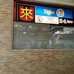 Photo taken at Yishun 761 U来 Coffee Shop by Derek L. on 6/9/2014