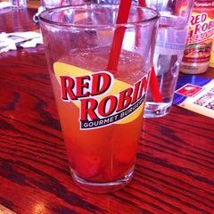 Photo taken at Red Robin Gourmet Burgers by Cyndi K. on 5/8/2013