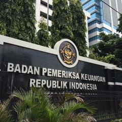 Photo taken at Badan Pemeriksa Keuangan (BPK) RI by Nur K. on 1/26/2016