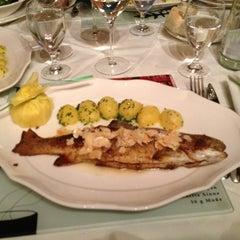 Das Foto wurde bei Restaurant Loystubn, Thermenwelt Hotel Pulverer ***** von nacaseven am 8/9/2013 aufgenommen