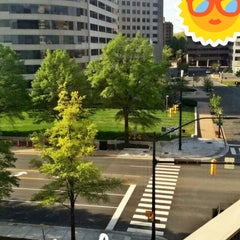 Photo taken at Holiday Inn Arlington At Ballston by Osama A. on 5/2/2015