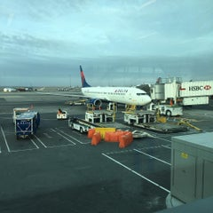 Photo taken at Delta Counter by Alberto Q. on 11/19/2015