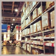 Photo taken at IKEA | 宜家家居 by Minjia Z. on 7/22/2013