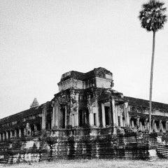 Photo taken at Angkor Wat Temple (អង្គរវត្ត) by Hugo C. on 10/28/2012