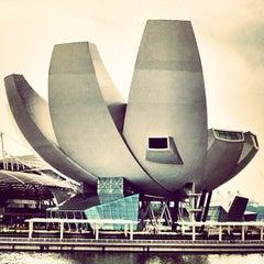 Photo taken at ArtScience Museum by Hugo C. on 9/27/2012