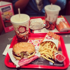 Photo taken at Burger King by Francois-xavier D. on 11/10/2012