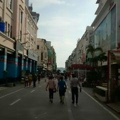 Photo taken at 厦商百货 Seashine Department Store by Edgar W. on 6/29/2014