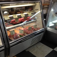 Photo taken at Fleisher's Grass-Fed and Organic Meats by James P. on 5/11/2013