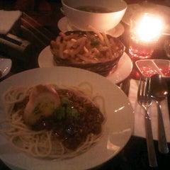 Photo taken at D'7uan Coffee Lounge & Kitchen Bar by Dyana R. on 8/12/2013