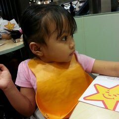 Photo taken at Carl's Jr by Cecil C. on 10/18/2013