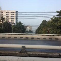 Photo taken at แยกลำสาลี (Lam Sali Intersection) by Aniraporn I. on 2/7/2013