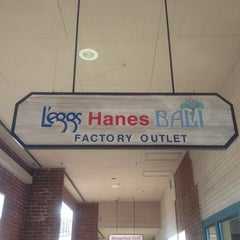 Photo taken at Leggs, Hanes, Bali, Playtex Factory Outlet by R.M. F. on 12/7/2013