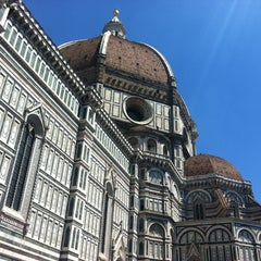 Photo taken at Cattedrale di Santa Maria del Fiore by Equis R. on 5/14/2013