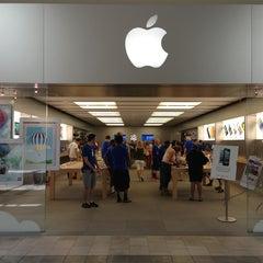 Photo taken at Apple Store, Oxmoor by Shaun S. on 6/22/2013