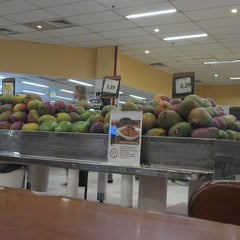 Photo taken at Supermercado Zona Sul by Cláudio d. on 7/30/2013