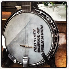 Photo taken at Old Town School of Folk Music by Jack M. on 12/29/2012