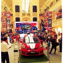 Photo taken at Honda Jakarta Center (PT Imora Motor) by Frans J. on 6/24/2013