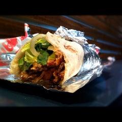 Photo taken at Oz Doner & Chicken Kebab by ᶻᴬᶜ on 10/15/2012