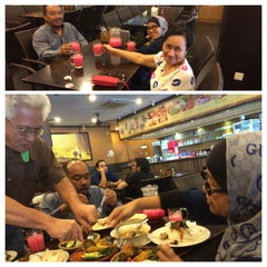 Photo taken at Restoran Ayam Penyet- AP by Aida Haron DGooi on 10/8/2014
