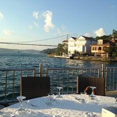 Photo taken at Kıyı Emniyet Restaurant by Dilek b. on 8/2/2013