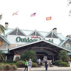 Photo taken at Bass Pro Shops Outdoor World by Jon M. on 12/29/2012