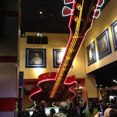 Photo taken at Hard Rock Cafe New York by Chris S. on 3/25/2013
