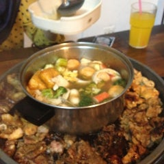 Photo taken at Kapten Steamboat & Grill by Otro N. on 11/22/2012