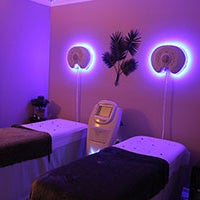 Photo taken at Healing Laser Clinics Stop Smoking and Wellness Spa by Healing Laser Clinics Stop Smoking and Wellness Spa on 10/28/2013