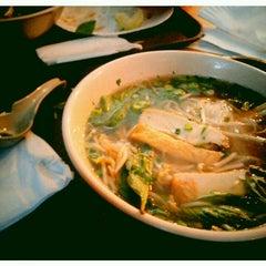 Photo taken at Hanco's Bubble Tea & Vietnamese Sandwich by Stephanie L. on 4/26/2013