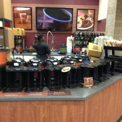 Photo taken at Wawa Food Market #103 by Richard L. on 1/27/2013