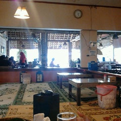 Photo taken at Waroeng SS by Ulima F. on 2/15/2013