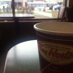Photo taken at Tim Hortons / Wendy's by Muhammed S. on 4/25/2013