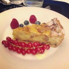 Photo taken at Roberto's Restaurant by Suneil M. on 9/24/2013