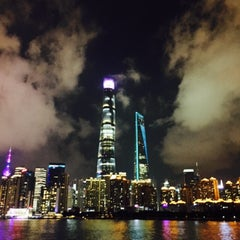Photo taken at 复兴路渡口 Fuxing Road Ferry by 若若妖 on 9/6/2015