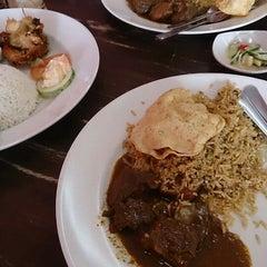 Photo taken at BARYANI GAM 88 - Katering & Western Food by Mazuardi M. on 5/2/2013