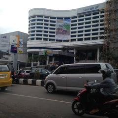 Photo taken at Dunia Balita by Ekky S. on 4/25/2013