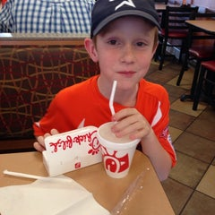 Photo taken at Chick-fil-A by Jon L. on 4/5/2014