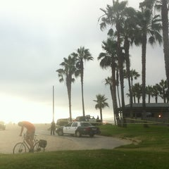 Photo taken at Venice Beach by Guille P. on 7/25/2013