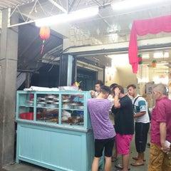 Photo taken at Chap Long Economy Rice by Zhenli O. on 2/23/2015