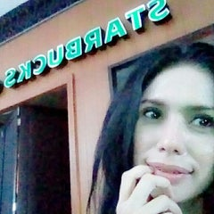 Photo taken at Starbucks by Maolina N. on 3/5/2015